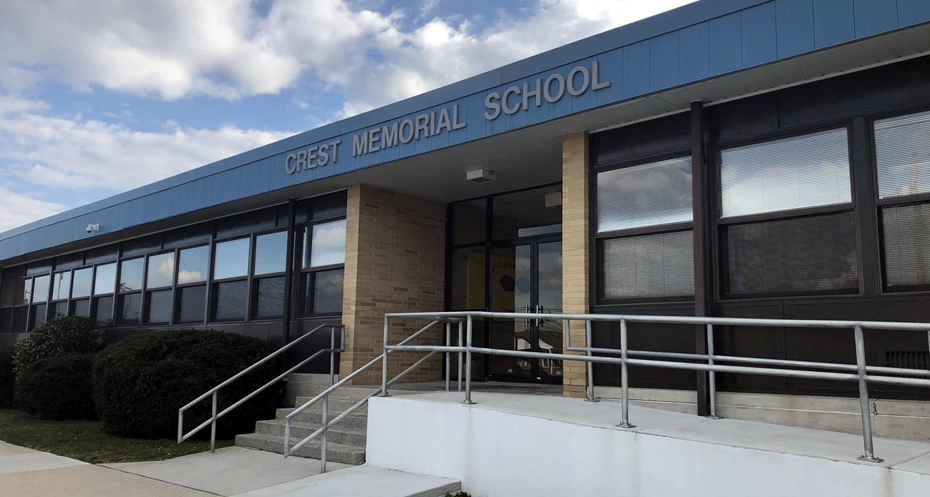 Crest Memorial School